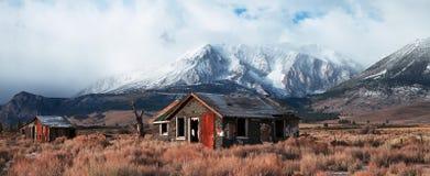 Casa abandonada en la carretera 395 Foto de archivo libre de regalías