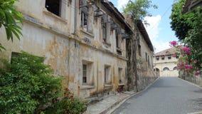 Casa abandonada na rua Fotos de Stock Royalty Free