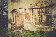 Casa abandonada retra fotos de archivo libres de regalías