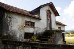 Casa abandonada vieja, Portugal Imágenes de archivo libres de regalías