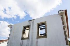 Casa abandonada vieja, Portugal Foto de archivo libre de regalías