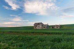 Casa abbandonata al crepuscolo Immagine Stock Libera da Diritti