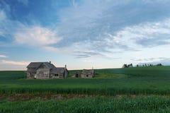 Casa abbandonata al crepuscolo Fotografia Stock Libera da Diritti