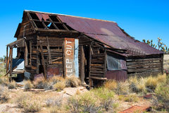 Casa abbandonata nel deserto Fotografia Stock Libera da Diritti