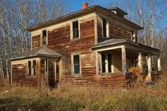 Casa abbandonata nella caduta Immagine Stock Libera da Diritti