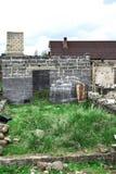 Casa abbandonata non finita fotografia stock