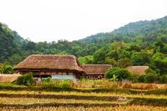 A casa afetado tradicional esta estada home encantador pertence a uma família local de Tay foto de stock
