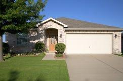 Casa agradável do tijolo Imagem de Stock Royalty Free