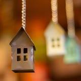 Casa agradável na corrente foto de stock