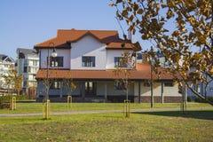 Casa alpina na vila alemão Fotografia de Stock