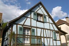 Casa alsatian azul Imagenes de archivo