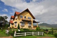Casa amarela de Pai Imagem de Stock