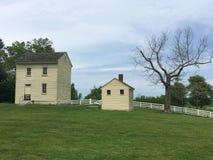 Casa amarela velha Fotografia de Stock Royalty Free