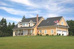 Casa amarilla Imagen de archivo
