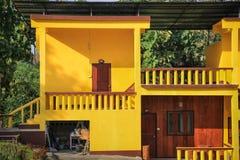 Casa amarilla Fotografía de archivo libre de regalías