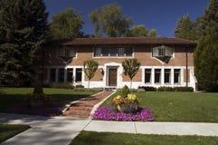 Casa americana da mansão fotografia de stock