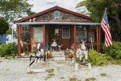 Casa anaranjada coloreada en la isla de la isla de Matlacha, coral del cabo Imagenes de archivo