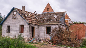 Casa após a explosão Imagens de Stock Royalty Free