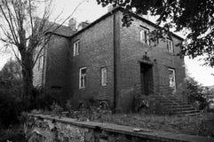 Casa assombrada, preto e branco Fotografia de Stock Royalty Free