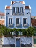 Casa azul fotos de stock royalty free