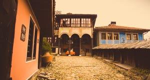 Casa búlgara velha de Тraditional em Koprivshtica, Bulgária Fotos de Stock