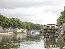 Casa barco Imagenes de archivo