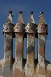 Casa Batllo, Barcelona, Spanje: 12 april, 2006: Schoorstenen van Casa Batllo in Barcelona Royalty-vrije Stock Foto