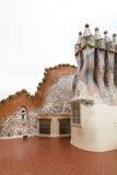 Casa Batllo, housetop, καπνοδόχοι με το κεραμικό μωσαϊκό, Βαρκελώνη στοκ φωτογραφία με δικαίωμα ελεύθερης χρήσης