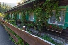 Casa bavarese alpina Fotografia Stock Libera da Diritti