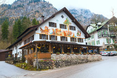 Casa bavarese tradizionale dipinta vicino al Neuschwanstein ed alle alpi tedesche in Baviera Fotografie Stock Libere da Diritti