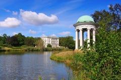 Casa bianca di Markkleeberg in parco immagini stock libere da diritti