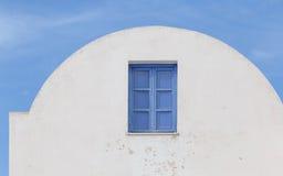 Casa blanqueada de Cycladic en Santorini Imágenes de archivo libres de regalías
