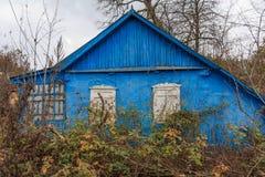 Casa blu abbandonata Immagini Stock Libere da Diritti