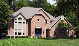 Casa bonita do tijolo vermelho Fotografia de Stock Royalty Free