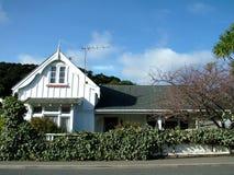 Casa branca de madeira Fotografia de Stock