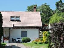 Casa branca, Lituânia Imagens de Stock