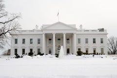 Casa branca na neve Fotografia de Stock Royalty Free