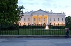 Casa branca no crepúsculo Imagem de Stock
