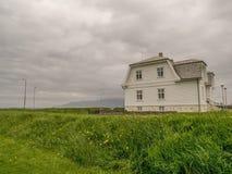 Casa branca Reykjavik imagem de stock