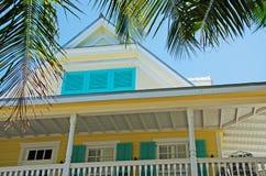 Casa, casa, arquitetura de Key West, patamar, varanda, janelas, palmas, chaves Fotografia de Stock