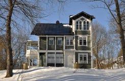 Casa clásica vieja del estilo Foto de archivo libre de regalías