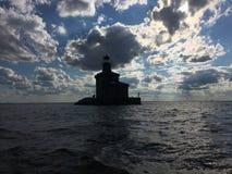 Casa clara no por do sol do Lago Erie fotografia de stock