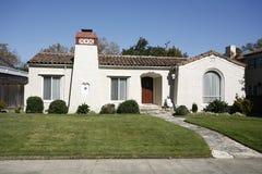 Casa classica sulla penisola di sud della California di San Francisco. Immagine Stock