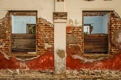 Casa colonial arruinada Fotos de Stock