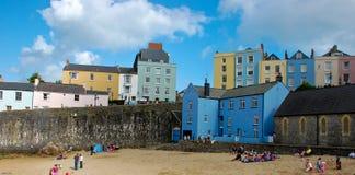 Casa colorida en la playa Imagenes de archivo