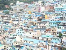 Casa colorida na vila da pintura mural de Ihwa fotografia de stock royalty free
