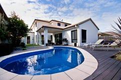 Casa com associação Imagens de Stock Royalty Free
