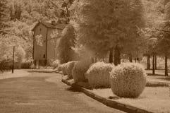 A casa com chims fotos de stock royalty free