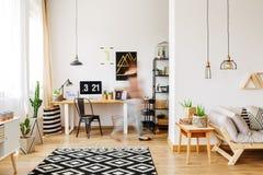 Casa com os acessórios naturais do eco Fotos de Stock