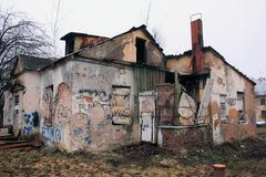 Casa com os fantasmas Fotografia de Stock Royalty Free